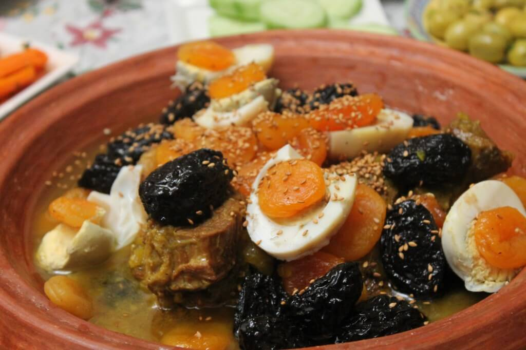 Sharing food with a moroccan family plan it morocco for Authentic moroccan cuisine